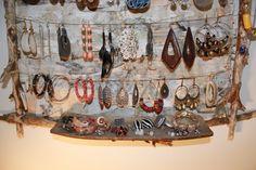 earrings 005 600x400 Rustic Jewellery holder in wood jewelry diy  with WOOD Jewelry holder DIY Cardboard