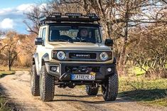 See a few of my most favorite builds - stylish scrambler ideas like Suzuki Jimny Off Road, New Suzuki Jimny, Fj Cruiser, Toyota Land Cruiser, 4x4, Suzuki Cars, First Time Driver, Car Rental Company, Car Travel