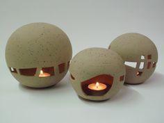 Licht-Kugel von Kerstin Kupfer KERAMIK auf DaWanda.com