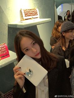Find images and videos about krystal, luna and fx on We Heart It - the app to get lost in what you love. Krystal Fx, Jessica & Krystal, Jessica Jung, South Korean Girls, Korean Girl Groups, Krystal Jung Fashion, Very Good Girls, Ice Princess, Girl Crushes
