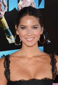 Celebrities With Anxiety Disorders: Olivia Olivia Munn revealed to 'New York Daily News' that she has an impulse-control disorder named trichotillomania that causes her to pick out her eyelashes when she is stressed.