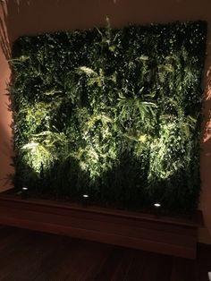 Groene wand met uv bestendig kunstplanten / Greenwall with UVproof artificial plants