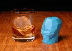 Crânio de gelo deixa suas bebidas mais interessantes