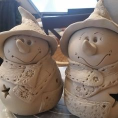 Fresh from clay . In the snowman fever 😍😍😍 # pottery . - Fresh from clay … In the snowman fever 😍😍😍 # Pottery - Slab Pottery, Ceramic Pottery, Pottery Art, Ceramic Art, Clay Christmas Decorations, Christmas Clay, Christmas Wedding, Diy Xmas, Xmas Crafts
