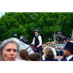 My girlfriend is a bobbie  but she doesn't know yet.  Buckingham Palace   London UK  #UK #London #buckingham #buckingham #bobbie #policeofficer #policeman #cop #mygirl #inlove #bobby ##Illreturnforyou #horse #ridinghorse #unitedkingdom #myfavoritecity #iloveher #officer by israelparedesa