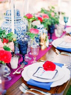Bright Modern Southern Wedding Inspiration | Modern Wedding Place Setting