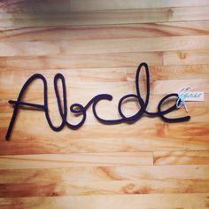 Abcde - mot enlainé
