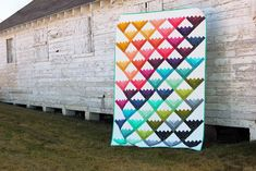 Hi quilters! This is Kristina from Center Street Quilts and I'm delighted to be sharing my Confetti Cabins quilt tutorial with you today. When I saw Vanessa Christenson's new Ombre Conf…