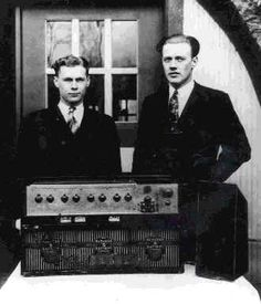 [New] The 10 Best Technologies Today (with Pictures) - did you know that in 1928 the Detroit Police commenced regular one-way radio communication with its patrol cars? Police Radio, Ford Police, Police Patrol, Police Cars, Police Officer, 1920s Gangsters, Detroit Police Department, Detroit Free Press, Fade Out