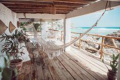 Dreamsea surf camp Uluwuatu Bali beachfront accomodation - All About Balcony