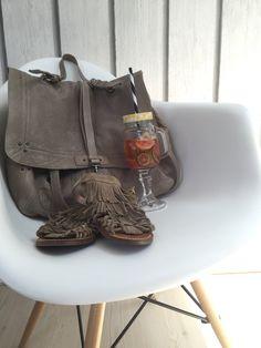 Merci à @la_fiancee_du_pirate pour cette jolie photo de notre fauteuil #daw ! Disponible sur www.happy-connection.com