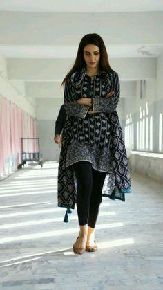 Best Trendy Outfits Part 29 Pakistani Fashion Casual, Pakistani Dresses Casual, Pakistani Dress Design, Indian Fashion, Frock Fashion, Fashion Dresses, Stylish Dresses, Casual Dresses, Trendy Outfits