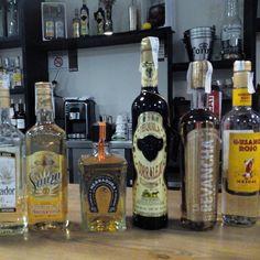Algunas de las tequilas de el restaurante la Quebradora (calle Princesa 3) #zaragoza