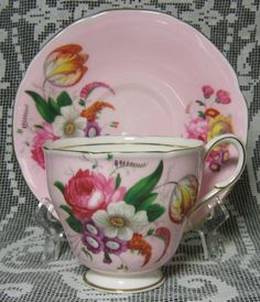 Paragon Tulip Bouquet Tea Cup and Saucer! A SHOWPIECE Paragon Teacup set - a Delightful Delicate Tulip Floral Bouquet with Pink Peonies, Freesia and more Delicate Flowers on Pale Pink! Tea Cup Saucer, Tea Cups, Coffee Cups, Pink Cups, China Cups And Saucers, Cuppa Tea, Cool Mugs, High Tea, A Table