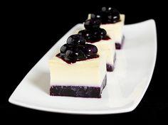 Vanilla Pudding with Blueberry Sauce {Budino alla Vaniglia con Salsa di Mirtilli}