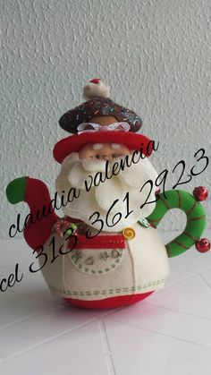 CAFETERA NOEL Vintage Christmas, Christmas Crafts, Christmas Decorations, Christmas Ornaments, Holiday Decor, Bottle Brush Trees, Craft Kits, Felt Crafts, Tea Pots