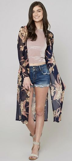 Layering a Kimono Duster : Daytrip Floral Duster Cardigan | Buckle