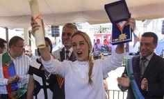 La presencia de Lilian Tintori, esposa del líder de Voluntad Popular, hoy día convertida en luchadora política, proporcionó un elemento especial a los actos por el aniversario de la fundación de Barquisimeto organizados por la alcaldía de Iribarren.</p>