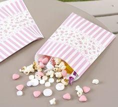 12 Candy-Tüten im Vintage-Stil von Nostalgie-Schmiede auf DaWanda.com