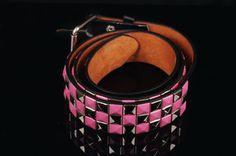 Kolmirivinen Pyramidiniittivyö -Pinkkihopea M koko tai L 9€