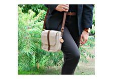 Bézs bőr oldaltáska Beige leather bag #bbag #leather #leatherbag #beigeleatherbag #bőr #bőrtáska #bézsbőrtáska Bago, Leather Bags, Nude, Fashion, Leather Tote Handbags, Moda, Fashion Styles, Leather Formal Bags