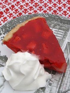 Erdbeerkuchen Pies Tarts and Cakes Recipes Easy Desserts, Delicious Desserts, Yummy Food, Sweet Recipes, Cake Recipes, Top Recipes, Recipies, Strawberry Pie, Tasty Bites