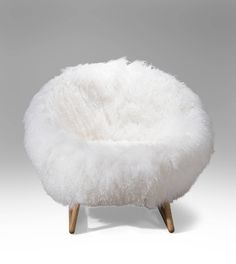 Shop chairs and other antique and modern chairs and seating from the world's best furniture dealers. Room Decor Bedroom Rose Gold, Cute Bedroom Decor, Apartment Bedroom Decor, Room Ideas Bedroom, Girls Bedroom, Cute Furniture, Furniture Makeover, Modern Furniture, Beachy Room