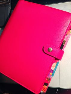 How I Put My Erin Condren Planner into My New Kikki-K Planner | MsWenduhh Planners & Printables. OMG I LOVE THIS COLOR!!