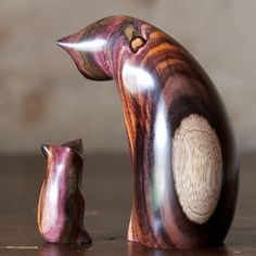 Perry Lancaster | Cat & Mouse Carving Sonokeling Rosewood One of my favourite Perry Lancaster sculptures ever! What incredible wood.