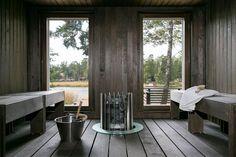 Kauniissa Suvisaaristossa sijaitsee upea Villa Huvikumpu. Tämä vuonna 2014 valmistunut, erittäin laadukkailla materiaaleilla ja pieteetillä toteutettu kivitalo on arkkitehti Aleksi Niemeläisen kädenjälkeä. Sisätilojen ja valaistuksen suunnittelussa näkyy suunnittelija Ilkka Mälkiäisen kädenjälki. Todella tyylikkään PoggenPohl-avokeittiön jatkeena valtava olohuone, josta käynti suoraan suurelle terassille. Talon yläkerrassa sijaitsevat arkiolohuone sekä kolme reilun kokoista makuuhuonetta. Me... Outdoor Sauna, Outdoor Decor, Interior Garden, Interior Design, Sauna House, Inside A House, Sauna Design, Cottage Plan, Home Spa