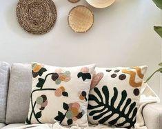 Pillow Crafts, Diy Pillows, Decorative Pillows, Needle Cushion, Crochet Fruit, Punch Needle Patterns, Mini Albums, Crochet Tablecloth, Diy Embroidery