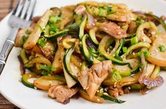 Slimming Eats Syn Free Chicken Zoodle Stir Fry - gluten free, dairy free, paleo, Slimming World and Weight Watchers friendly Slimming World Dinners, Slimming Eats, Slimming World Recipes, Dairy Free Low Carb, Dairy Free Recipes, Gluten Free, Vegetable Recipes, Vegetarian Recipes, Healthy Recipes