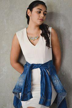 Colar Triângulos Mutáveis | Modelos: Ana Carolina Monteiro | Fotografia: Victor Tadeu | Styling: Larissa Ohana