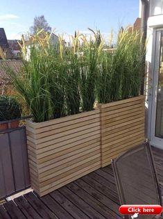 80 Inspiring Cheap Backyard Privacy Fence Design Ideas - Page 4 of 84 Planter Box Plans, Diy Planter Box, Garden Planters, Deck Planter Boxes, Pallet Planters, Cactus Planters, Diy Planters Outdoor, Balcony Planters, Outdoor Chairs