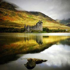 Kilchurn Castle, Scotland (by Kenneth Barker)