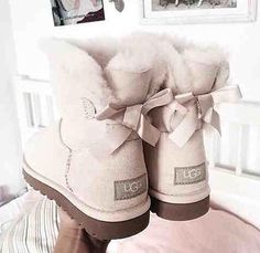ecea5eb208cc7 Light grey single Bailey bow UGGS Chaussure Chic, Chaussure Tendance,  Chaussure Basket, Talons