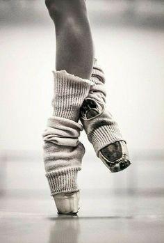 Tutu Ballet, Ballet Art, Ballet Dancers, Ballerinas, Dancers Feet, Ballet Class, Dance Photos, Dance Pictures, Ballet Photography