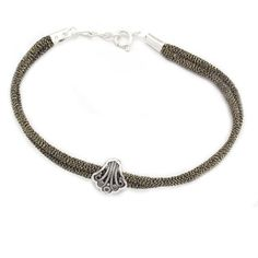 Joyeria Plata y Azabache Artesania Galicia Home Page Silver and Black Jet Crafts Jewelry Crafts Shell Bracelet, Tax Free, Pilgrim, Jewelry Crafts, Shells, Arts And Crafts, Traditional, Jewels, Sterling Silver
