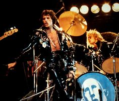 Freddie and Roger live on stage on the North American 'Jazz' tour in November/December 1978.