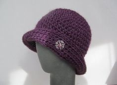 Easy to make crochet cloche hat pattern. Suitable for use as chemo cap. All my patterns are copyrighted. They are accurate, tested and easy to follow. Use knitting worsted yarn and H/8/5 mm hook.