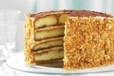 Perfect for an after-dinner dessert or afternoon tea, this layered tiramisu-style cake tastes as good as it looks. Easy Tiramisu Recipe, Tiramisu Cake, Dessert Cake Recipes, Dessert Ideas, Cooking Cake, Cake Tasting, Dessert For Dinner, Sweet Cakes, Cake Creations