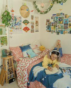Indie Bedroom, Indie Room Decor, Cute Room Decor, Aesthetic Room Decor, Retro Room, Vintage Room, Room Ideas Bedroom, Bedroom Decor, Bedroom Inspo