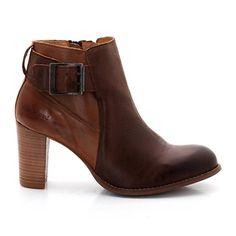 KICKERS Madre KICKERS : prix, avis & notation, livraison. Boots cuir KICKERS MadreDessus : cuir (vachette)Doublure : croûte de cuir (vachette)Semelle intérieure: croûte de cuir (vachette) Semelle extérieure : caoutchouc Fermeture : zippée Hauteur de talon : 7 cm Hauteur de tige : 9 cm Les + : des boots à talon qui ne manqueront pas de compléter vos tenues les des plus classiques aux plus rebelles.