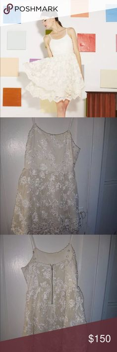 ALICE + OLIVIA Rare Rora Dress Worn once for a high school gala. Excellent condition with a beautiful lacey, poof skirt :) Alice + Olivia Dresses