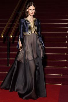 The complete Alexis Mabille Resort 2018 fashion show now on Vogue Runway. Fashion 2018, Paris Fashion, Love Fashion, Runway Fashion, Girl Fashion, Fashion Outfits, Fashion Design, Alexis Mabille, Simple Dresses