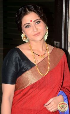 BCON and BND Deep Samman 2016 is a Puja Parikrama held on Kali Puja. The event saw the presence of Swastika Mukherjee along with other dignitaries.