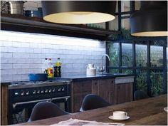 Chez Bianca à Barcelone Kitchen designed by Daniel Perez and Felipe Araujo of Egue y Seta studio
