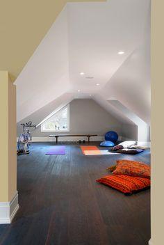 27 Modern Small Home Gym Room Design Ideas Home Gym Set, Small Home Gyms, Gym Room At Home, Best Home Gym, Attic Rooms, Attic Spaces, Small Spaces, Attic Playroom, Attic Bathroom