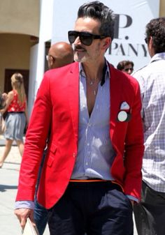 Show some confidence with a pop of color with your blazer -- menswear style High Street Fashion, Gents Fashion, Red Blazer, Sharp Dressed Man, Casual Street Style, Gentleman Style, Men Looks, Colorful Fashion, Men Dress