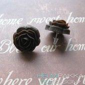 Suklaanruskeat vintage ruusut - Helmipaikka Oy - Joka päivä on korupäivä - Helmipaikka.fi koruja netistä - Tea Design earrings